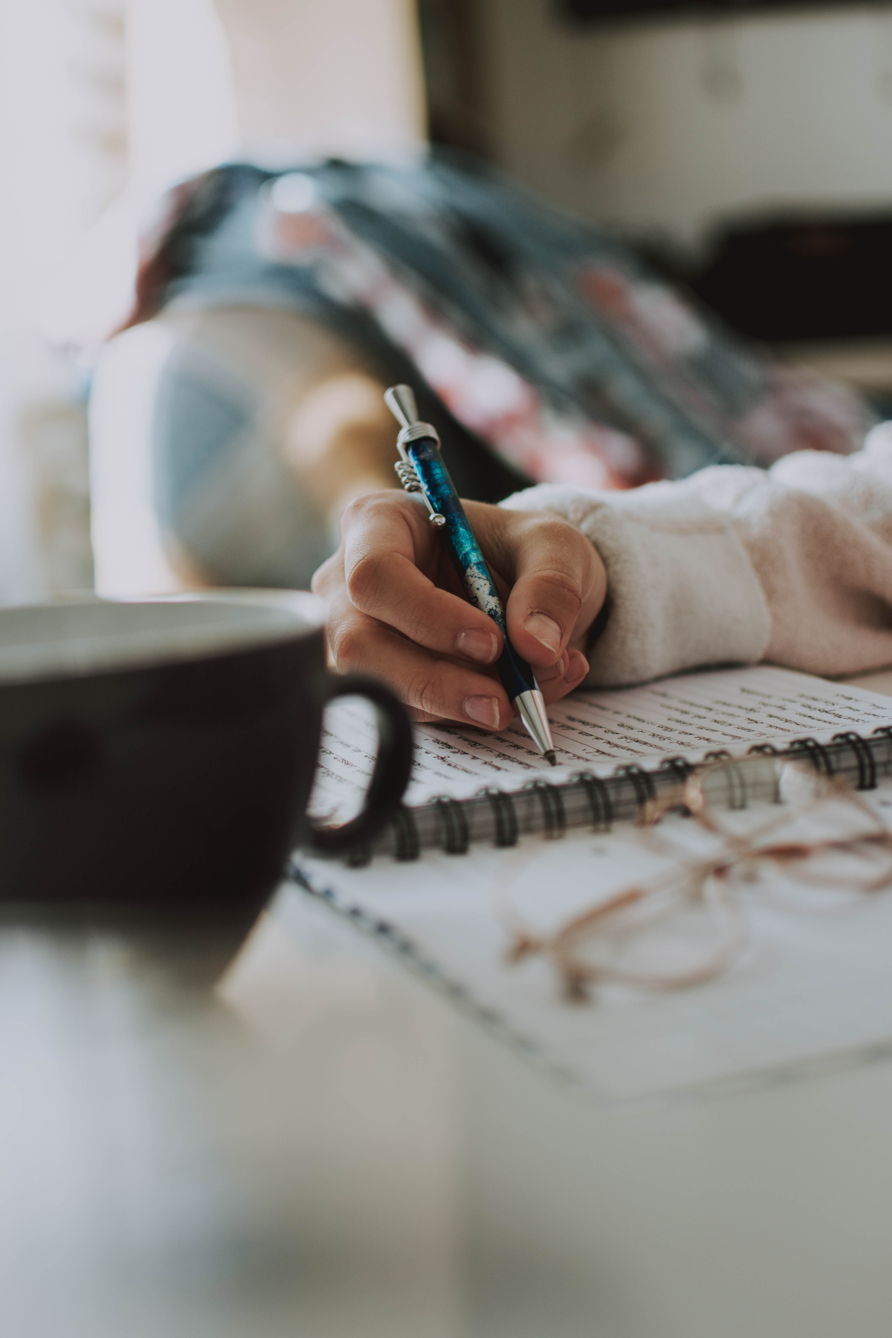 the difference between expository and technical writing the  if you are a student you might be required to write different types of  essays usually texts are crafted according to the defined rules of a  particular
